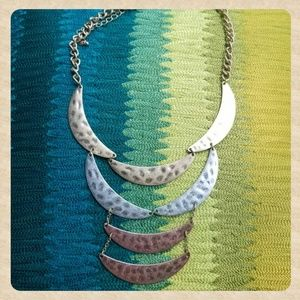 Jewelry - 🌞Tri-Colored Metal Statement Necklace